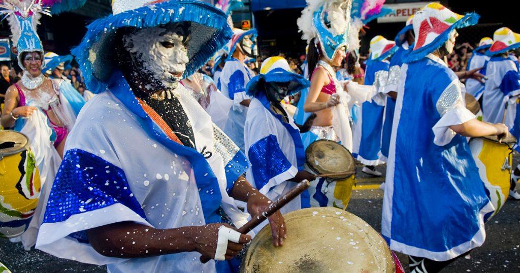 carnval uruguay, desfile de las llamadas, verano uruguay