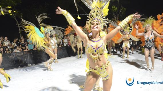 Carnaval de Uruguay, carnaval del norte de Uruguay, Salto, Melo, Paysandú, Artigas