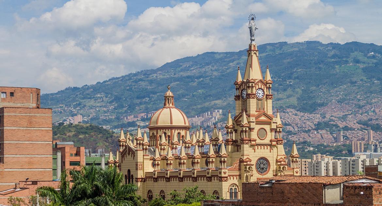 medellin, lugares imprescindibles de medellin, colombia, destinos air europa